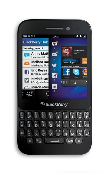 BlackBerry Q5  front view